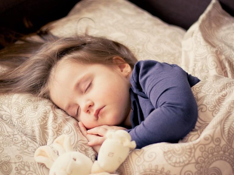 Materacyk do łóżeczka dziecka – jak go wybrać?